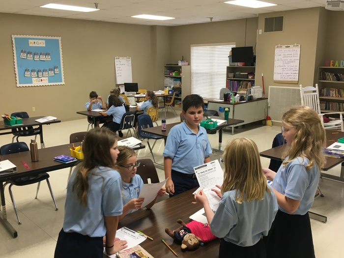 Should school be year round? 4th grade worked in small groups in order to prepare for a class debate.