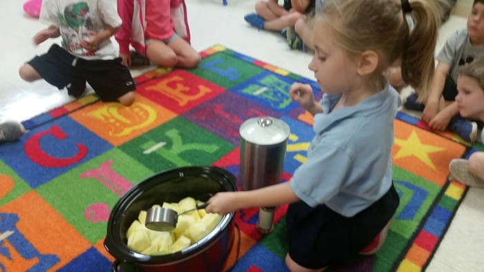 Kindergarten enjoyed making applesauce and trying a variety of apple treats during our apple unit.